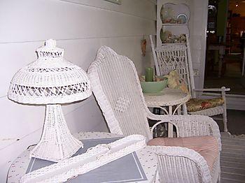 Whitewickeronporch