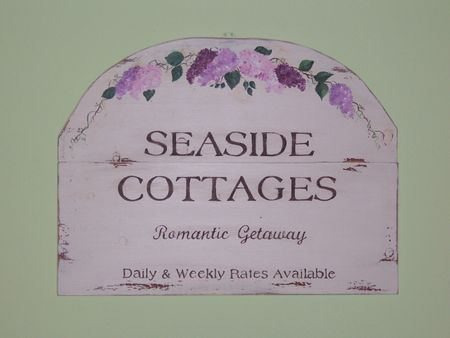 Seasidecottagesign